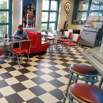 American Diner Party › Mister Twist