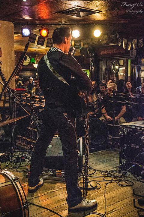 Berlin / Irish Pub Europacenter - Mister Twist Pub-Nasenparty